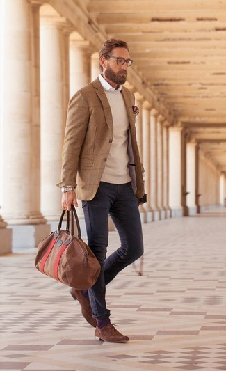 This combination of a brown wool blazer and dark grey jeans is perfect for a night out or smart-casual occasions. Brown suede derby shoes will bring a classic aesthetic to the ensemble.
