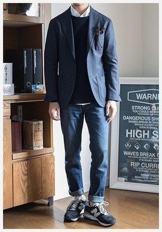Men's Looks & Outfits: What To Wear In 2020: When the dress code calls for a casually smart outfit, you can easily rock a navy blazer and blue jeans. Tone down this look by finishing with a pair of navy suede low top sneakers.