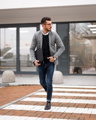 White Long Sleeve Shirt Outfits For Men: Flaunt that you know a thing or two about men's style by wearing a white long sleeve shirt and navy skinny jeans. Black leather oxford shoes will bring a different twist to an otherwise straightforward getup.