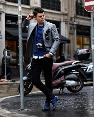 Navy Crew-neck Sweater Outfits For Men: This casual combo of a navy crew-neck sweater and black jeans can take on different nuances depending on the way it's styled. Go down a more elegant route on the shoe front by wearing a pair of navy canvas derby shoes.