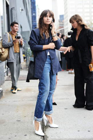 Miroslava Duma wearing Navy Vertical Striped Blazer, White Crew-neck T-shirt, Blue Boyfriend Jeans, White Leather Pumps