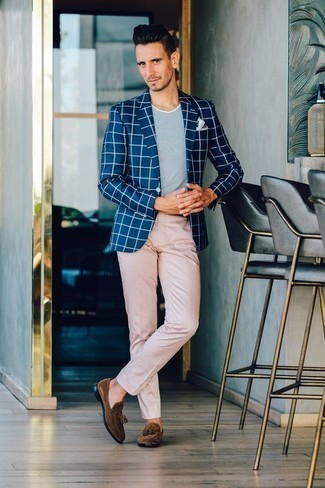 How to Wear a Navy Check Blazer For Men: A navy check blazer and pink chinos are the kind of a tested combination that you so awfully need when you have zero time to dress up. Dial up the classiness of this outfit a bit by finishing off with a pair of brown suede tassel loafers.