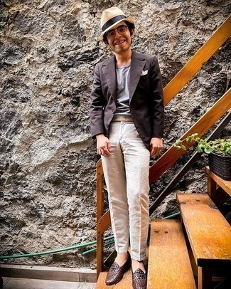 Beige Straw Hat Outfits For Men: This off-duty pairing of a dark brown blazer and a beige straw hat is extremely easy to put together in no time flat, helping you look awesome and prepared for anything without spending too much time digging through your wardrobe. To bring some extra zing to your look, complement your ensemble with dark brown woven leather loafers.