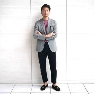 Grey Blazer with Navy Pants Outfits For Men: For an outfit that's very simple but can be dressed up or down in a myriad of different ways, wear a grey blazer and navy pants. And if you want to easily step up this ensemble with one single item, enter black embroidered velvet loafers into the equation.