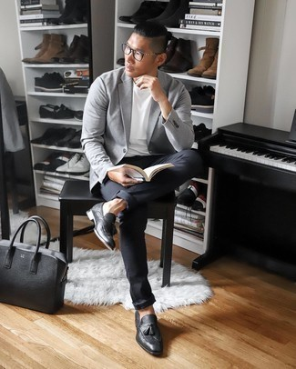 Black Leather Briefcase Outfits: Why not team a grey blazer with a black leather briefcase? Both items are totally comfortable and will look great together. Why not add black leather tassel loafers to your ensemble for an air of refinement?