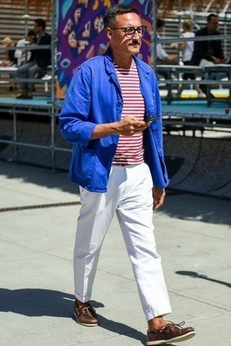 Boat Shoes Outfits: This pairing of a blue cotton blazer and white chinos is a fail-safe option when you need to look effortlessly polished in a flash. Let your outfit coordination sensibilities truly shine by completing your ensemble with boat shoes.