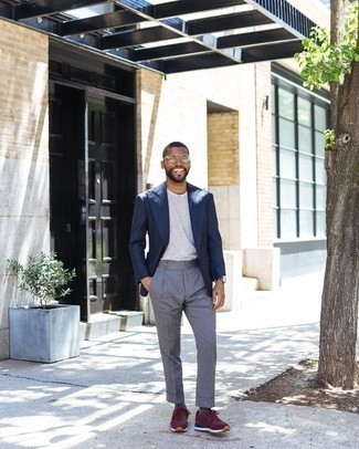 Athletic Shoes with Dress Pants Outfits For Men: Go all out in a navy blazer and dress pants. Athletic shoes will provide function, but with a fashion effect.