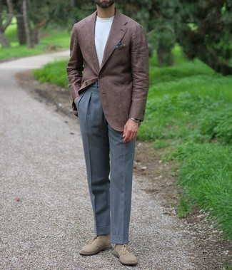 Tan Suede Desert Boots Outfits: Try teaming a brown blazer with charcoal dress pants - this look is bound to make ladies go weak in the knees. Want to play it down in the shoe department? Introduce a pair of tan suede desert boots to this outfit for the day.
