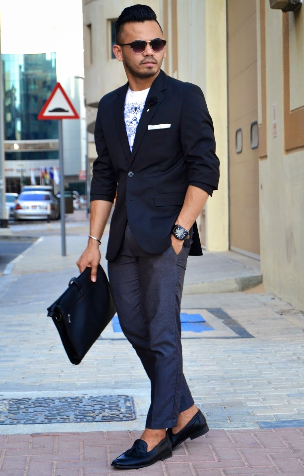 Black t shirt with suit - This Combination Of A Black Sport Coat And Dark Grey Dress Pants Oozes Masculinity And Refined