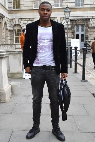 How to Wear Charcoal Jeans For Men: You'll be surprised at how easy it is for any gent to get dressed this way. Just a black velvet blazer and charcoal jeans. You can get a bit experimental on the shoe front and tone down this ensemble by rocking a pair of black leather low top sneakers.