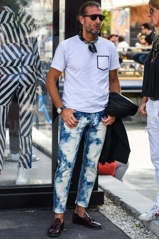 How to Wear a Black and White Bandana For Men: Consider pairing a black blazer with a black and white bandana to put together an interesting and modern-looking edgy ensemble. To give your overall getup a more polished touch, why not complete this getup with a pair of burgundy leather tassel loafers?