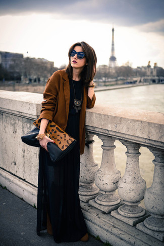 How to wear: tobacco blazer, black crew-neck t-shirt, black pleated maxi skirt, brown suede ankle boots