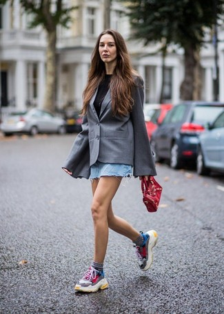 How to wear: grey blazer, black crew-neck t-shirt, light blue denim mini skirt, multi colored athletic shoes