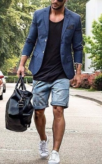How to wear: navy blazer, black crew-neck t-shirt, light blue denim shorts, white canvas low top sneakers