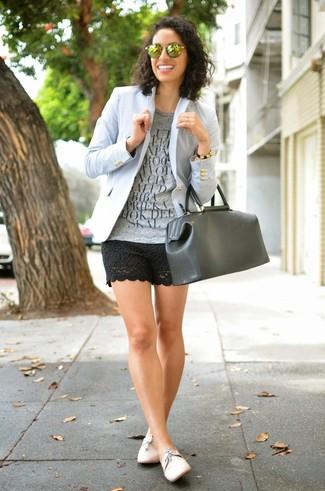 How to wear: light blue blazer, grey print crew-neck t-shirt, black crochet shorts, pink leather oxford shoes