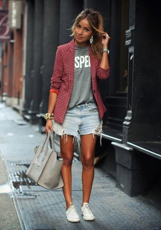 This combo of a red tweed blazer and baby blue destroyed denim shorts will attract attention for all the right reasons. White low top sneakers will give your look an on-trend feel.