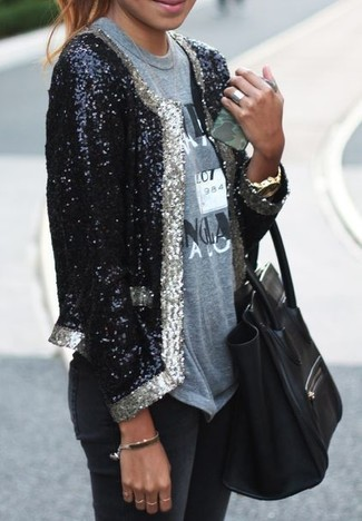 How to Wear a Black and White Sequin Blazer For Women: A black and white sequin blazer and black skinny jeans are a cool combo worth incorporating into your daily off-duty fashion mix.