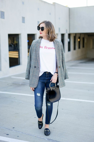 If you want to look cool and remain cosy, make an ARIES T Shirts and blue ripped skinny jeans your outfit choice. Spruce up your outfit with black leather loafers. Loving that this look is great when warmer days are here.
