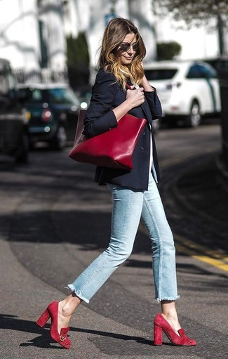 How to wear: black blazer, white crew-neck t-shirt, light blue skinny jeans, red suede pumps