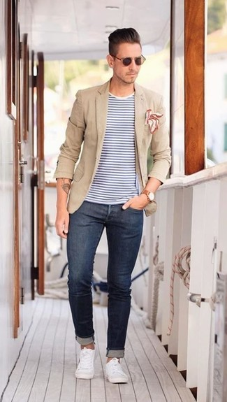 How to wear: tan blazer, white and blue horizontal striped crew-neck t-shirt, navy skinny jeans, white low top sneakers