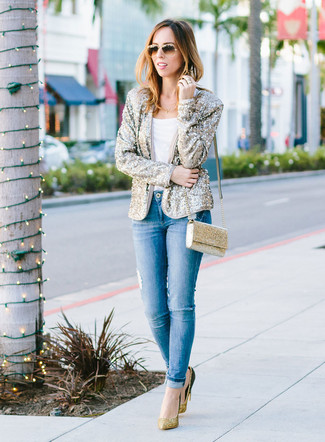How to wear: gold sequin blazer, white crew-neck t-shirt, blue ripped skinny jeans, gold sequin pumps