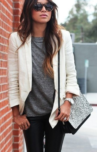 A white blazer and black leather slim jeans are a great outfit formula to have in your arsenal.