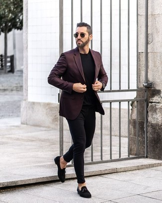 Black Watch Warm Weather Outfits For Men: If you gravitate towards city casual style, why not consider this combination of a burgundy blazer and a black watch? Channel your inner David Beckham and complement this getup with black suede tassel loafers.