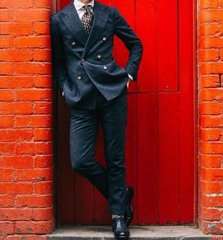 Cómo combinar: blazer cruzado de lana azul marino, camisa de vestir blanca, pantalón de vestir de lana azul marino, zapatos brogue de cuero negros