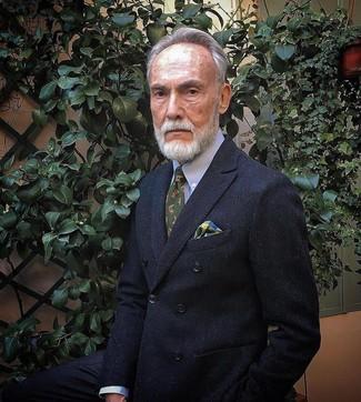 Cómo combinar: blazer cruzado negro, camisa de vestir celeste, corbata estampada verde oliva, pañuelo de bolsillo de tartán en multicolor