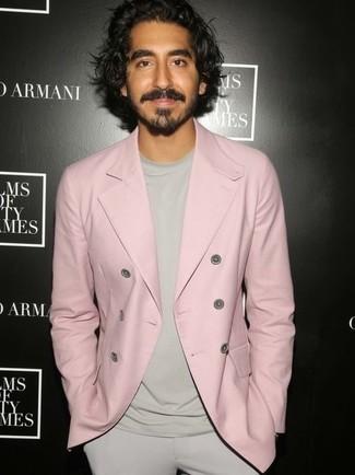 Blazer cruzado rosado camiseta con cuello circular en beige pantalon de vestir en beige large 24841