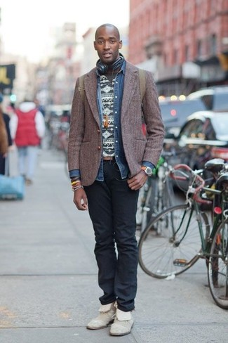 How to wear: dark brown wool blazer, blue denim shirt, charcoal fair isle crew-neck t-shirt, black jeans