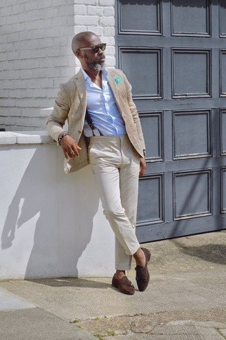 How to Wear a Tan Blazer For Men: Swing into something refined yet modern in a tan blazer and beige dress pants. Let your styling savvy truly shine by completing your ensemble with a pair of dark brown suede double monks.