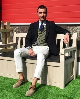 Brown Suede Desert Boots Outfits: You can be sure you'll look smooth and classic in a navy blazer and white dress pants. Play down the classiness of this ensemble by wearing a pair of brown suede desert boots.