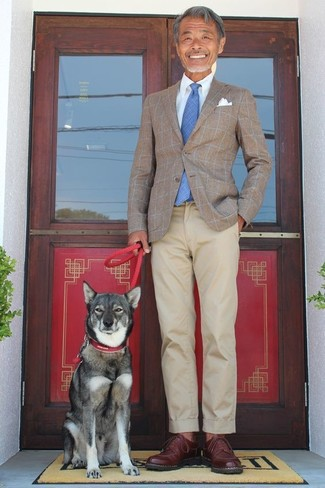 How to wear: brown check blazer, light blue dress shirt, beige chinos, dark brown leather derby shoes