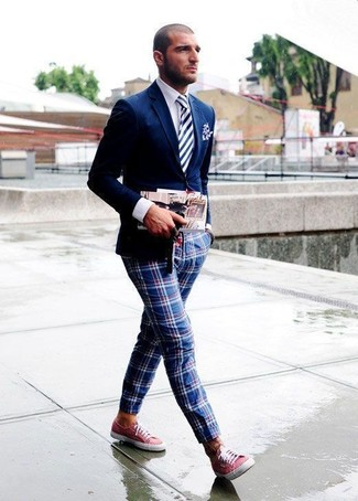 How to wear: navy blazer, white dress shirt, red and navy plaid chinos, red canvas low top sneakers