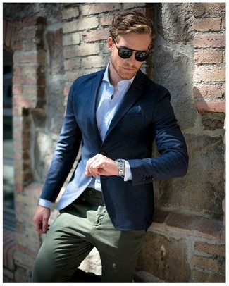 How to wear: navy blazer, light blue vertical striped dress shirt, olive chinos, navy pocket square
