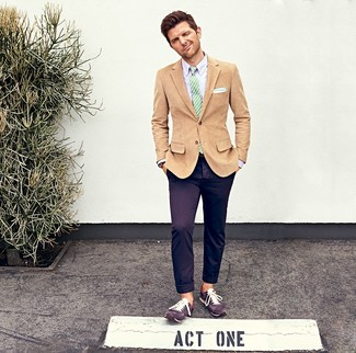 How to wear: tan corduroy blazer, light violet dress shirt, violet chinos, violet suede low top sneakers