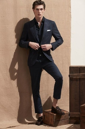 Black and White Plaid Blazer Outfits For Men: Such must-haves as a black and white plaid blazer and black chinos are an easy way to introduce an air of masculine elegance into your daily casual fashion mix. Here's how to level up this outfit: dark brown leather tassel loafers.