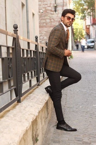 Dark Brown Leather Double Monks with Brown Blazer Outfits: This combo of a brown blazer and dark brown chinos is a real lifesaver when you need to look seriously stylish in a flash. Bump up your getup by slipping into dark brown leather double monks.