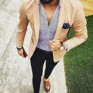 Dark Brown Bracelet Outfits For Men: This casual combination of a tan blazer and a dark brown bracelet is a tested option when you need to look cool but have zero time. A trendy pair of brown leather tassel loafers is an effortless way to upgrade your ensemble.