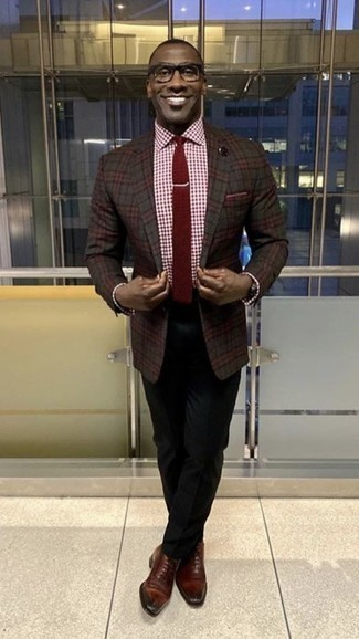 How to Wear a Burgundy Tie For Men: You'll be amazed at how super easy it is to pull together this sophisticated ensemble. Just a charcoal plaid blazer matched with a burgundy tie. When it comes to footwear, complete your getup with a pair of burgundy leather oxford shoes.