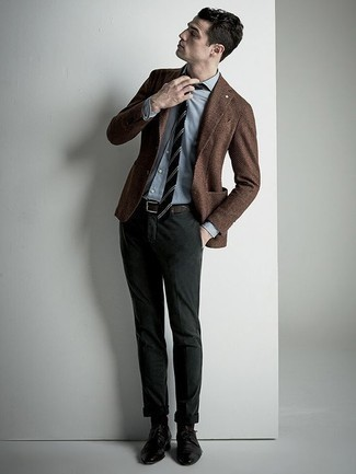 How to Wear Black Socks In Your 30s For Men: Pair a brown blazer with black socks for a laid-back take on casual street menswear. Unimpressed with this look? Enter a pair of black leather derby shoes to spice things up.