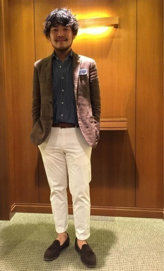 Which Chinos To Wear With a Brown Blazer: Pair a brown blazer with chinos for a neat sophisticated getup. Infuse your ensemble with an added dose of polish with dark brown suede tassel loafers.