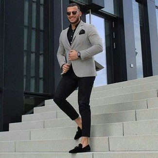How to Wear a Black Dress Shirt For Men: For an outfit that's pared-down but can be styled in a multitude of different ways, consider wearing a black dress shirt and black chinos. Bring an added dose of style to this ensemble by slipping into black velvet tassel loafers.