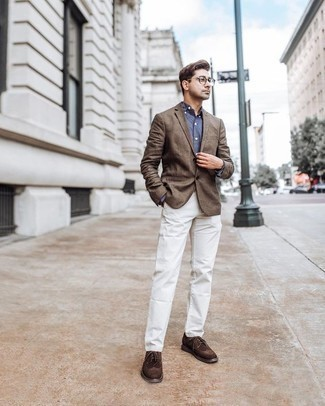 Which Chinos To Wear With a Brown Blazer: A brown blazer and chinos matched together are a perfect match. A cool pair of dark brown suede brogues is an easy way to inject a sense of polish into this look.