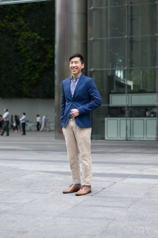 How to Wear Beige Chinos: This pairing of a blue blazer and beige chinos is an interesting balance between formal and off-duty. Our favorite of a variety of ways to finish this outfit is with tan leather oxford shoes.