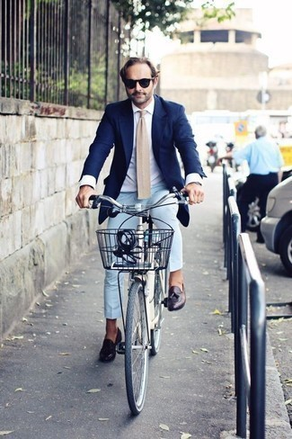 How to Wear Navy Sunglasses In Summer For Men: For an outfit that provides function and dapperness, rock a navy blazer with navy sunglasses. Dark purple leather tassel loafers will effortlessly polish off even the simplest look. One actually can look easy breezy under the sweltering heat, and this ensemble is hard proof of just that