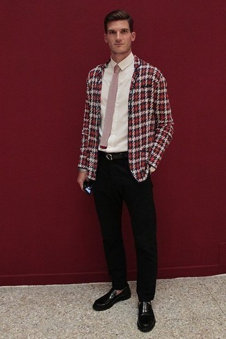 How to Wear Black Leather Loafers For Men: Undeniable proof that a red plaid blazer and black chinos look amazing when you team them together. If you want to feel a bit more polished now, add black leather loafers to the mix.