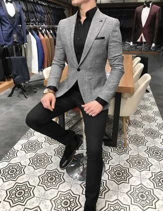 Grey Blazer with Chelsea Boots Fall Outfits For Men: A grey blazer and black chinos are the perfect way to introduce some manly sophistication into your off-duty styling collection. Why not complement this ensemble with a pair of chelsea boots for an extra touch of elegance? When temps are dropping and fall is setting in, you'll appreciate how perfect this ensemble is for transitional weather.