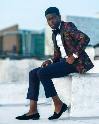 Bow-tie Outfits For Men: Rushed mornings require a simple yet casually stylish outfit, such as a navy floral blazer and a bow-tie. Tone down the casualness of your look with black velvet loafers.